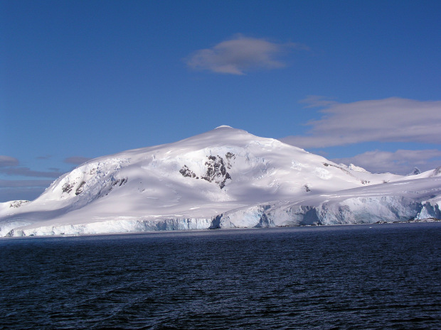 The cruise to antarctica continues with a visit to the for Best trips to antarctica
